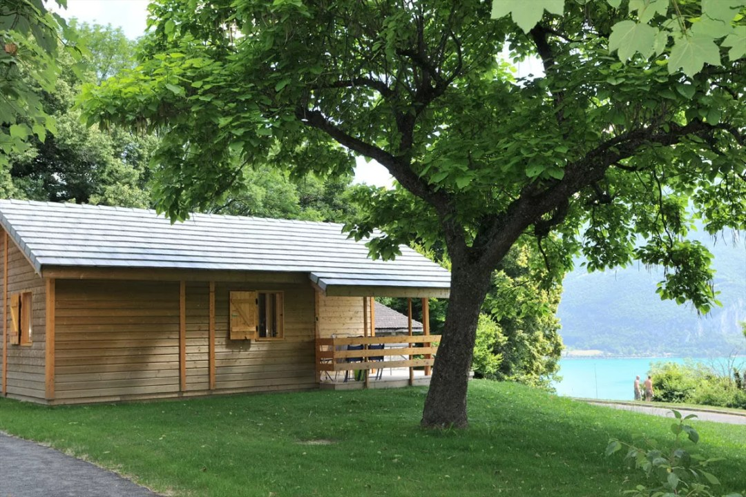 Camper à deux pas du cœur d'Annecy au camping municipal du Belvédère