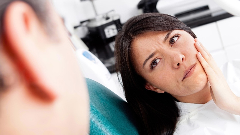 Douleur avec implant dentaire