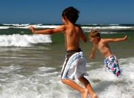 Enfants qui se baignent, Îles de la Madeleine