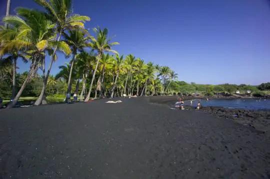 black sand punalu'u beach