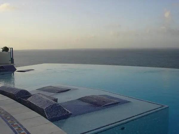 Infinity Pool Tourism on the Edge02
