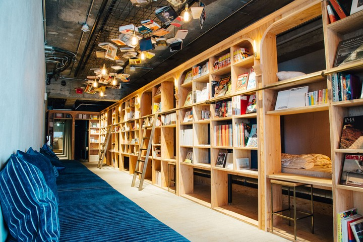 book and bed hostel, tokyo (4)