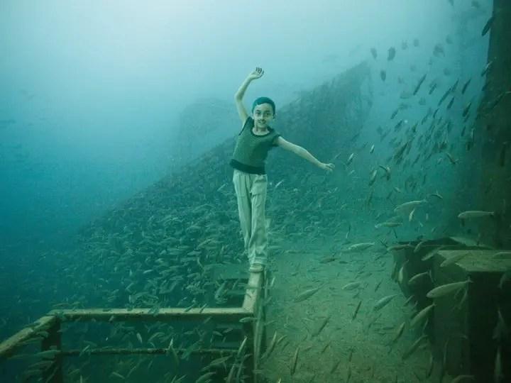 underwater exhibition art photography (4)