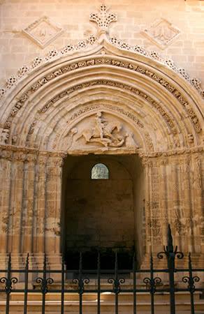 Immagine del Portale di San Giorgio a Ragusa Ibla fotografato di giorno