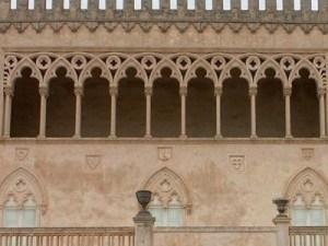 Particolare della loggia del Castello di Donnafugata