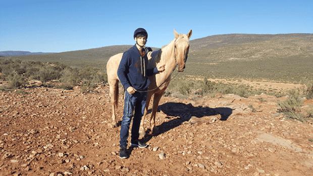 horse riding at aquila