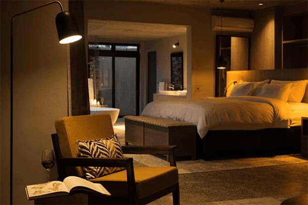 uMfolozi Mthembu Lodge Bedroom