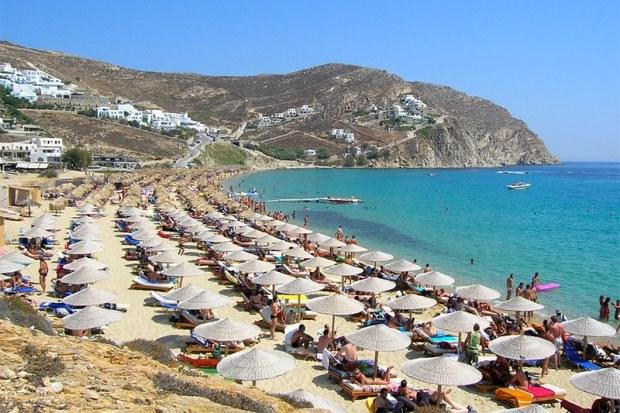 Popular Mykonos beach