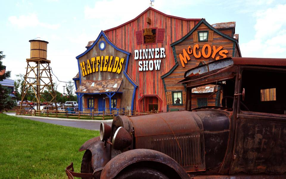 https://i1.wp.com/www.tourist-destinations.net/wp-content/uploads/2015/07/pigeon-forge-attractions.jpg