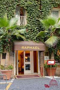 Hotels in Rom Raphael Eingang