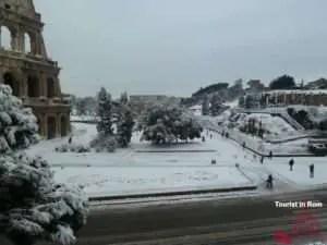 Kolosseum im Schnee