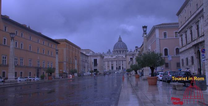 Rain in Rome at Saint Peter's Square Regen in Rom am Petersplatz
