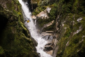 Abseiling through the flow