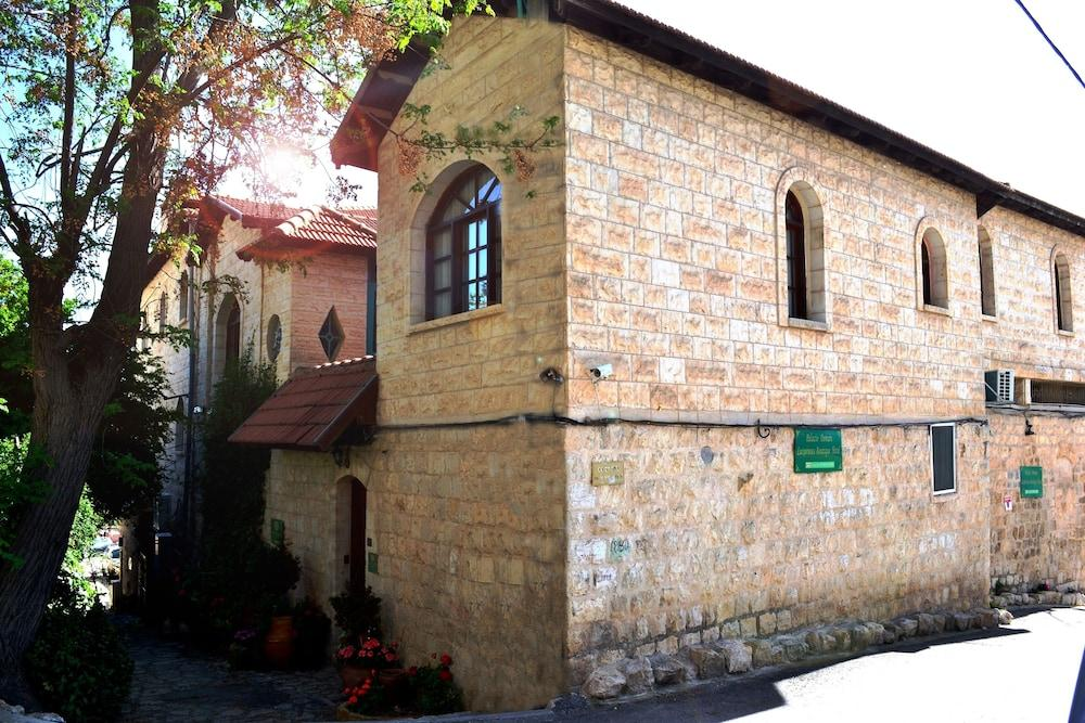Best Hotels Sea of Galilee - Palacio Domain Safed