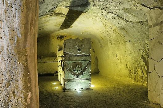An impressive tomb at Beit Shearim. Image Vad Levin via Flickr