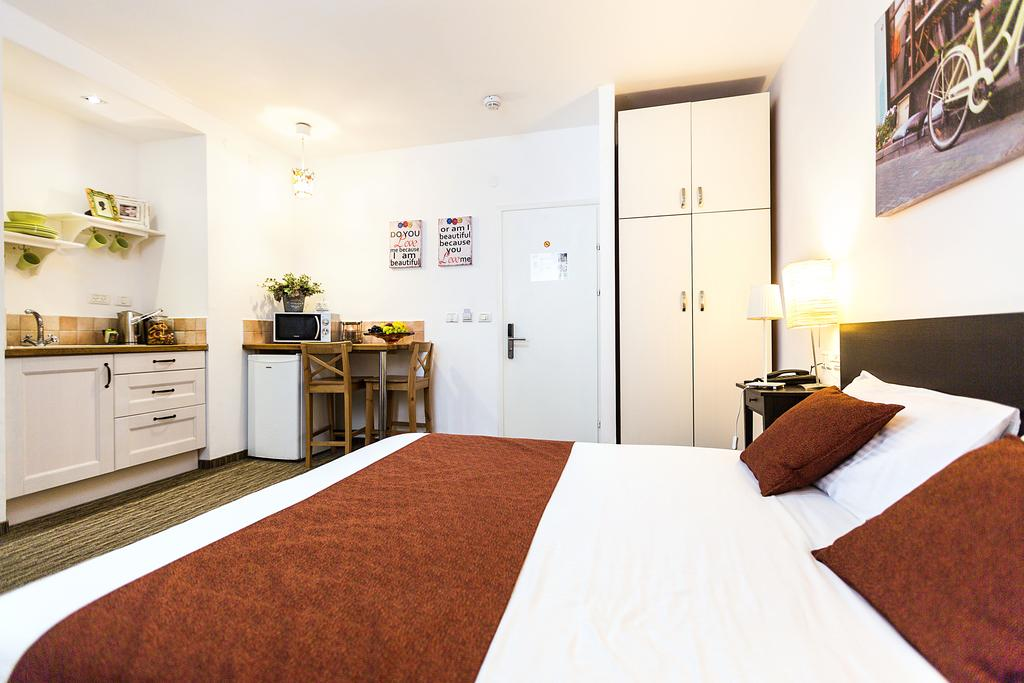 Best Value Hotels in Tel Aviv - Arbel Suites