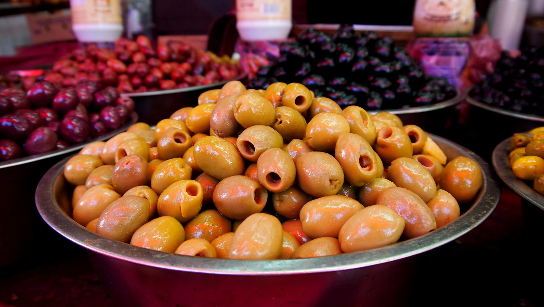The Carmel Market, one of the best markets in Tel Aviv