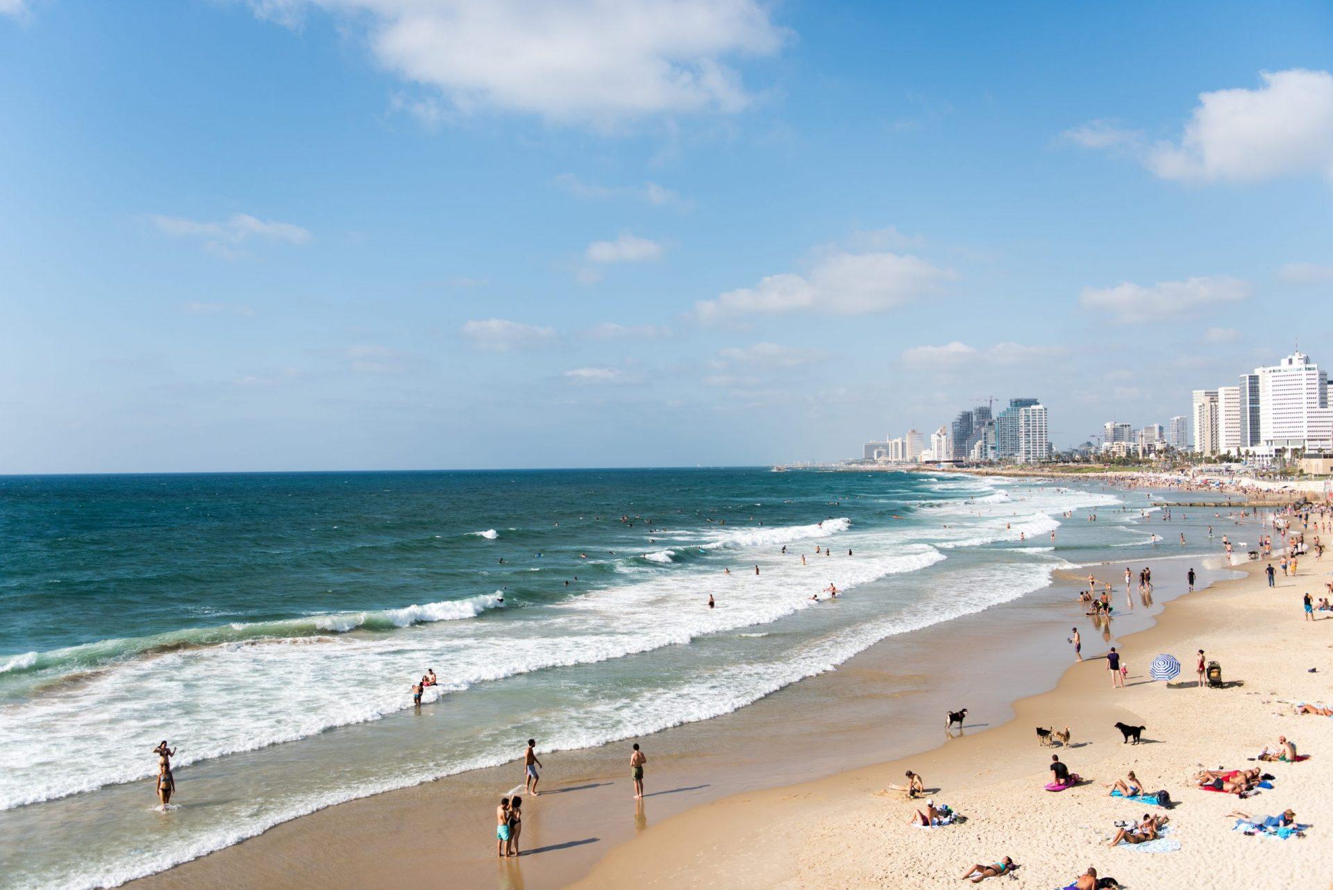 tel aviv beach shabbat