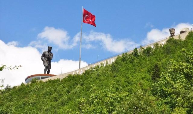 Türkiye'nin En Büyük Atatürk Heykeli Turizme Açıldı ile ilgili görsel sonucu