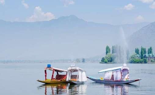 Shikara Ride in Kashmir | Srinagar | J & K Tourism