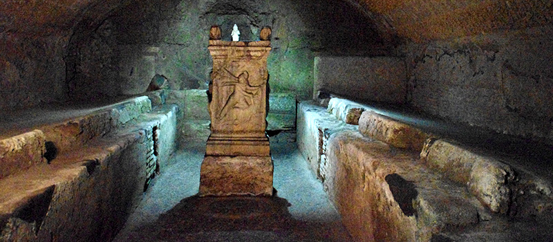 All that is underground: Catacombs, houses and churches