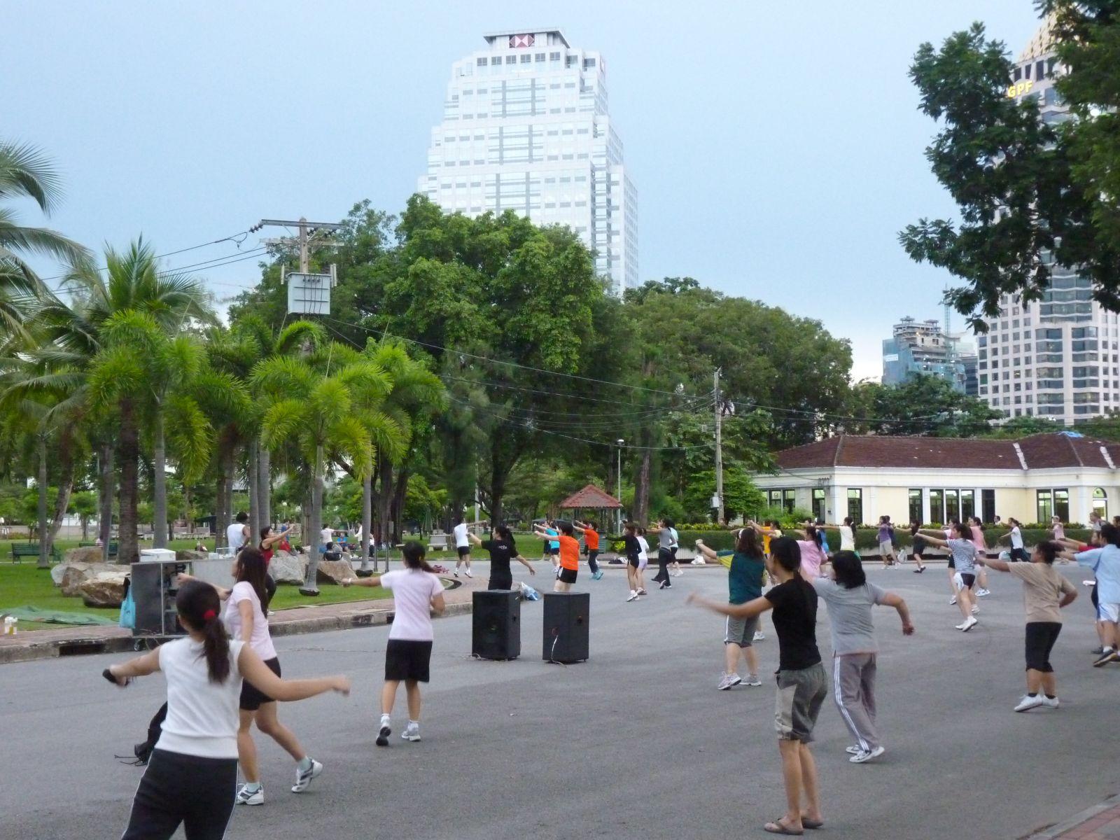 parc-lumpini-4-gym-collective