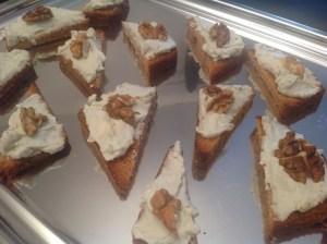 Toasts pain d'épices à la crème de roquefort