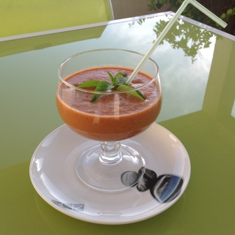 gaspacho-de-tomates-au-lait-damandes