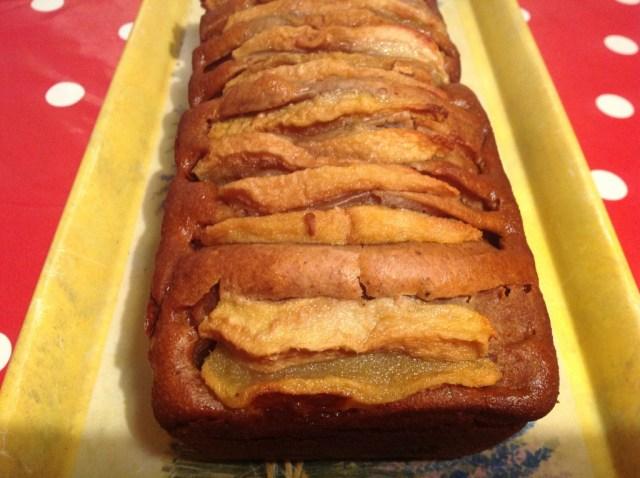 cake-aux-epices-miel-et-poires