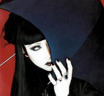 fille-elegant-gothic