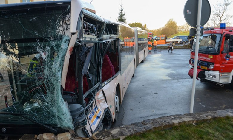 Photo of Collision entre un bus et un camion au Luxembourg : 15 blessés dont 1 grave