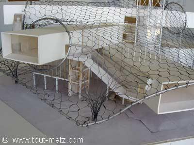 detail de la maquette de toiture du centre pompidou de metz