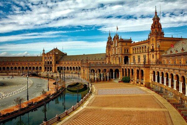 Plaza Espana à Seville, Andalousie en famille