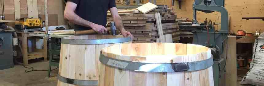 8dc2b706a2b8 Dès qu on entre dans son atelier, on sait que Pascal Plamondon aime le  bois. Il ne fait pas juste le travailler, il le façonne, le respire et s en  inspire.