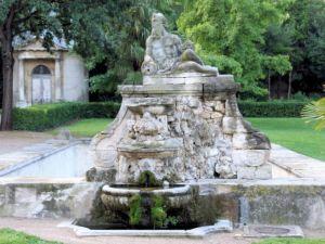 Fontaine-de-la-Magalone-03