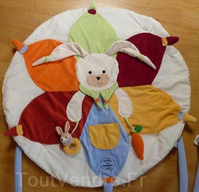 tapis d eveil lapin doudou et compagnie