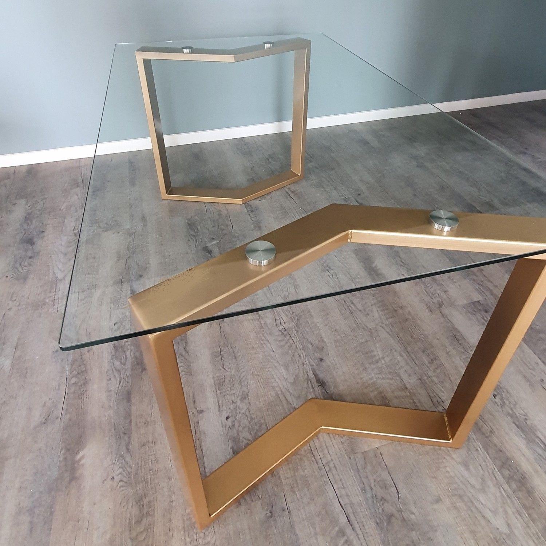 table rectangulaire sur pieds