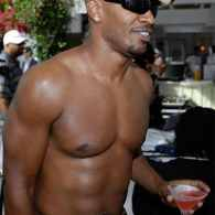 Jamie Foxx: I'm Not Gay (and I Could Eat Pizza in a Male Shower)