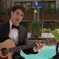 Darren Criss and Kermit Sing 'Rainbow Connection': VIDEO