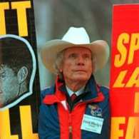 Westboro Baptist Church Pastor Fred Phelps is Dead at 84