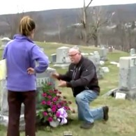 Gravestone of Hillary Clinton's Father Knocked Over in Pennsylvania: VIDEO