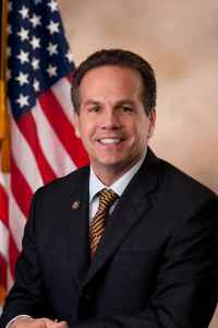800px-David_Cicilline,_Official_Portrait,_112th_Congress_2