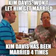 Anti-gay Kentucky County Clerk Likens Herself to an Anti-War 'Conscientious Objector'