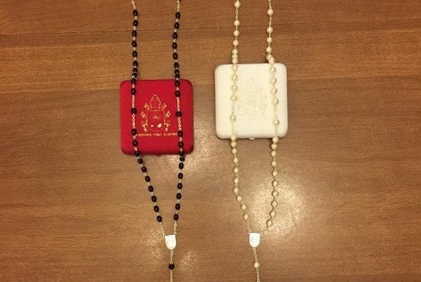 Kim-Davis-rosaries