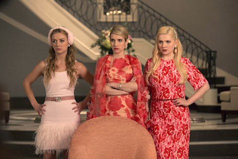 ScreamQueens_Pilot101-SororityGrandHall_0397r_hires1
