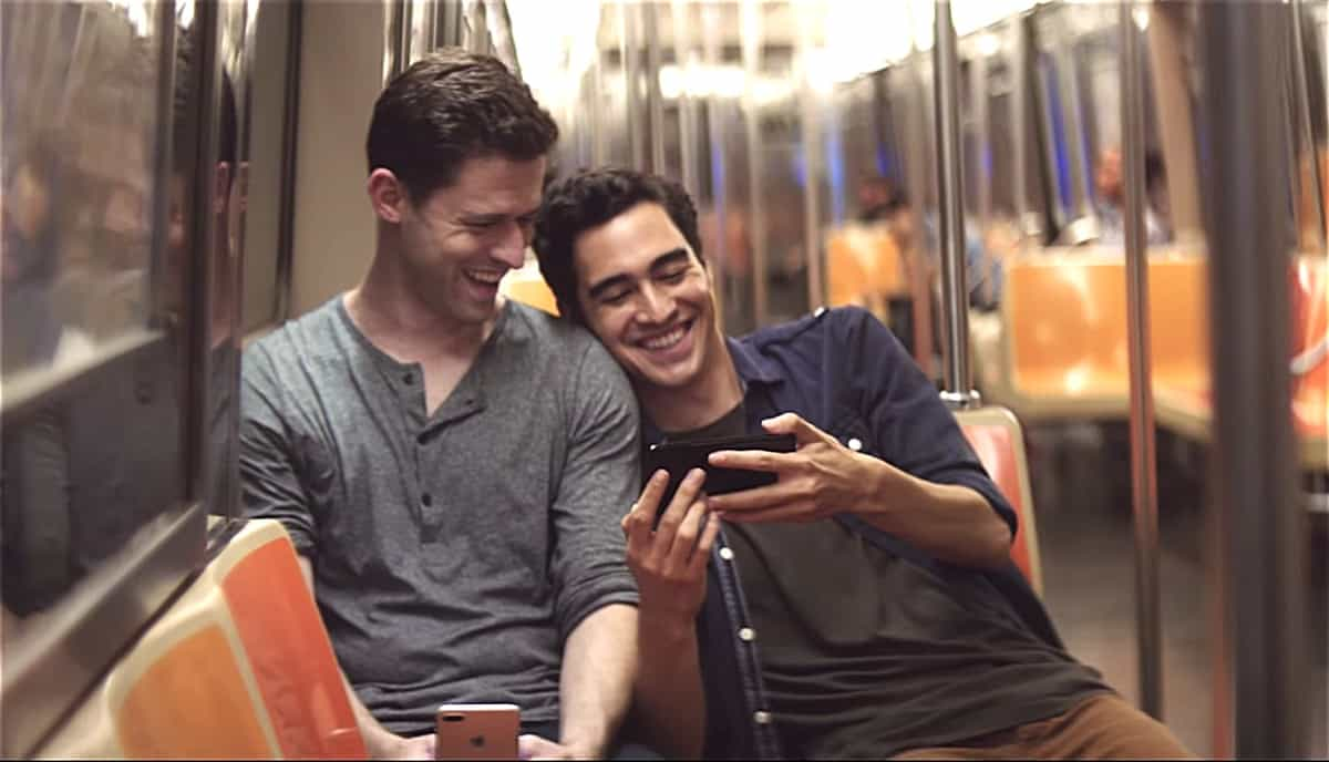 New Iphone 7 Ad Features Affectionate Gay Couple On Nyc Subway Watch - Towleroad Gay News-6084