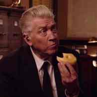 David Lynch Chews on a Donut in New 'Twin Peaks' Teaser: WATCH