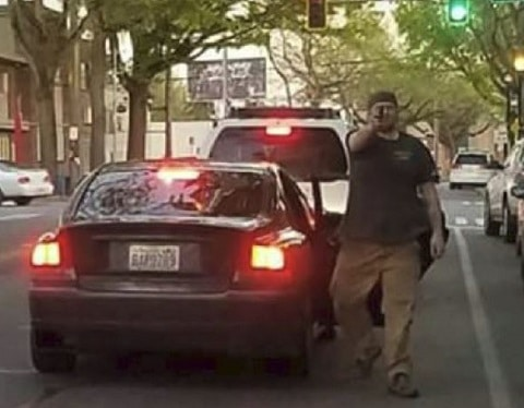seattle-man-pulls-gun-on-pedestrians