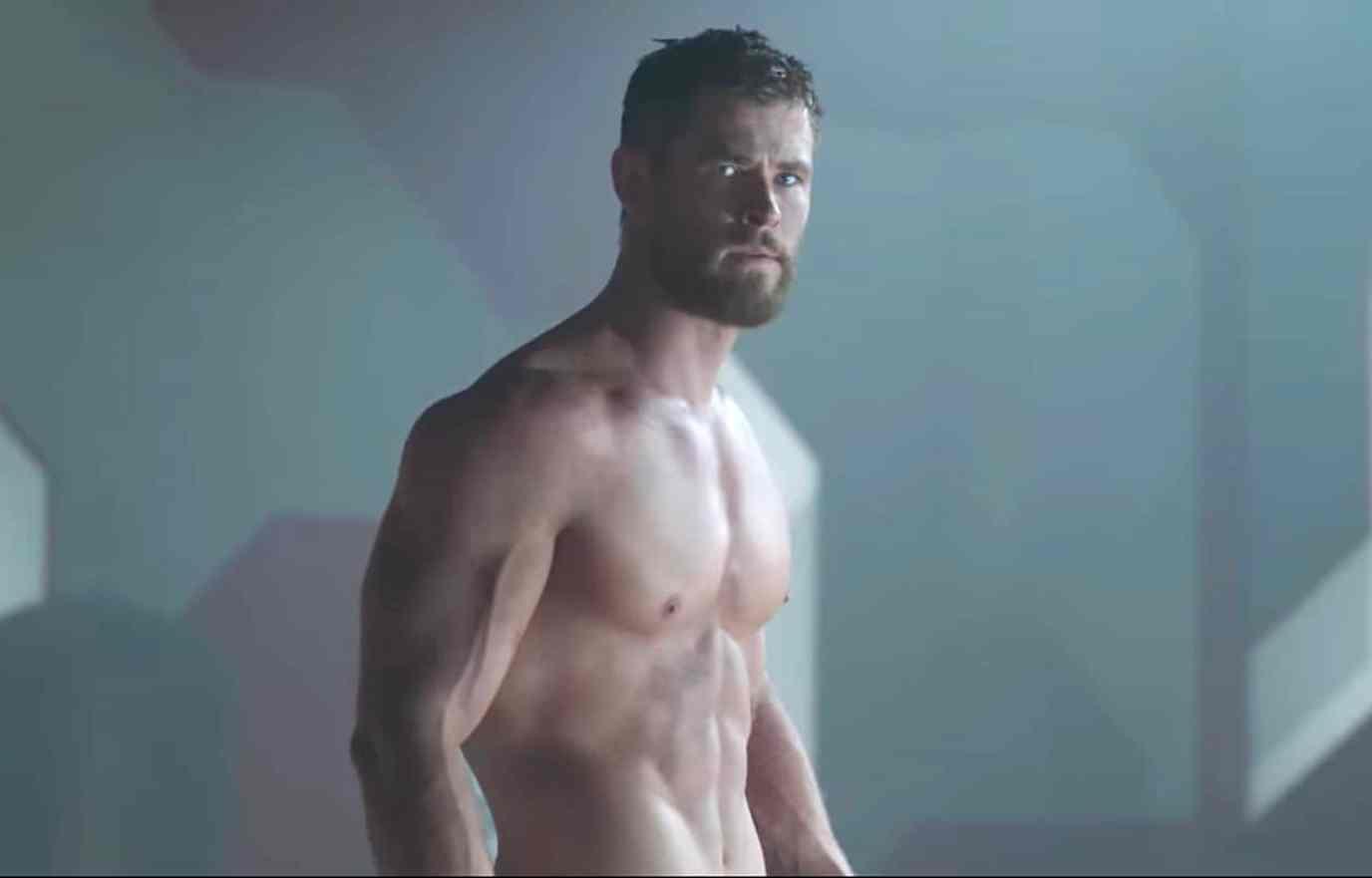 shirtless Chris Hemsworth