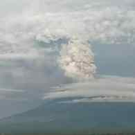 120,000 Tourists Stranded in Bali as Volcano Threatens Major Eruption: VIDEO